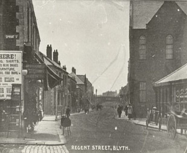 Regent Street and the corner of Sproat Street, Blyth 1910.JPG