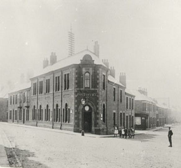 Post Office in Blyth 1910.JPG
