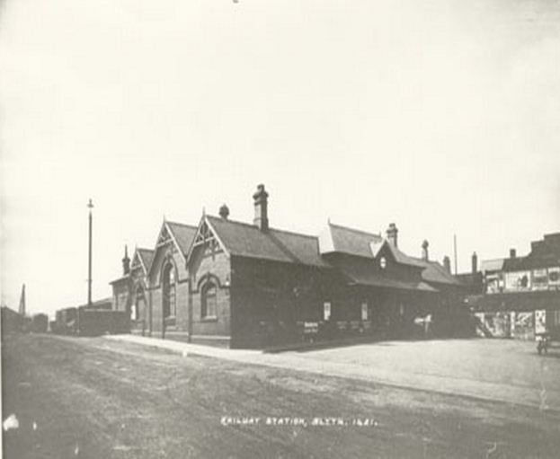 Railway Station at Blyth, 1920.JPG