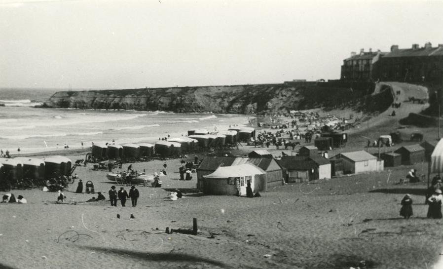 beach at Whitley Bay showing the huts and changing cubicles..JPG