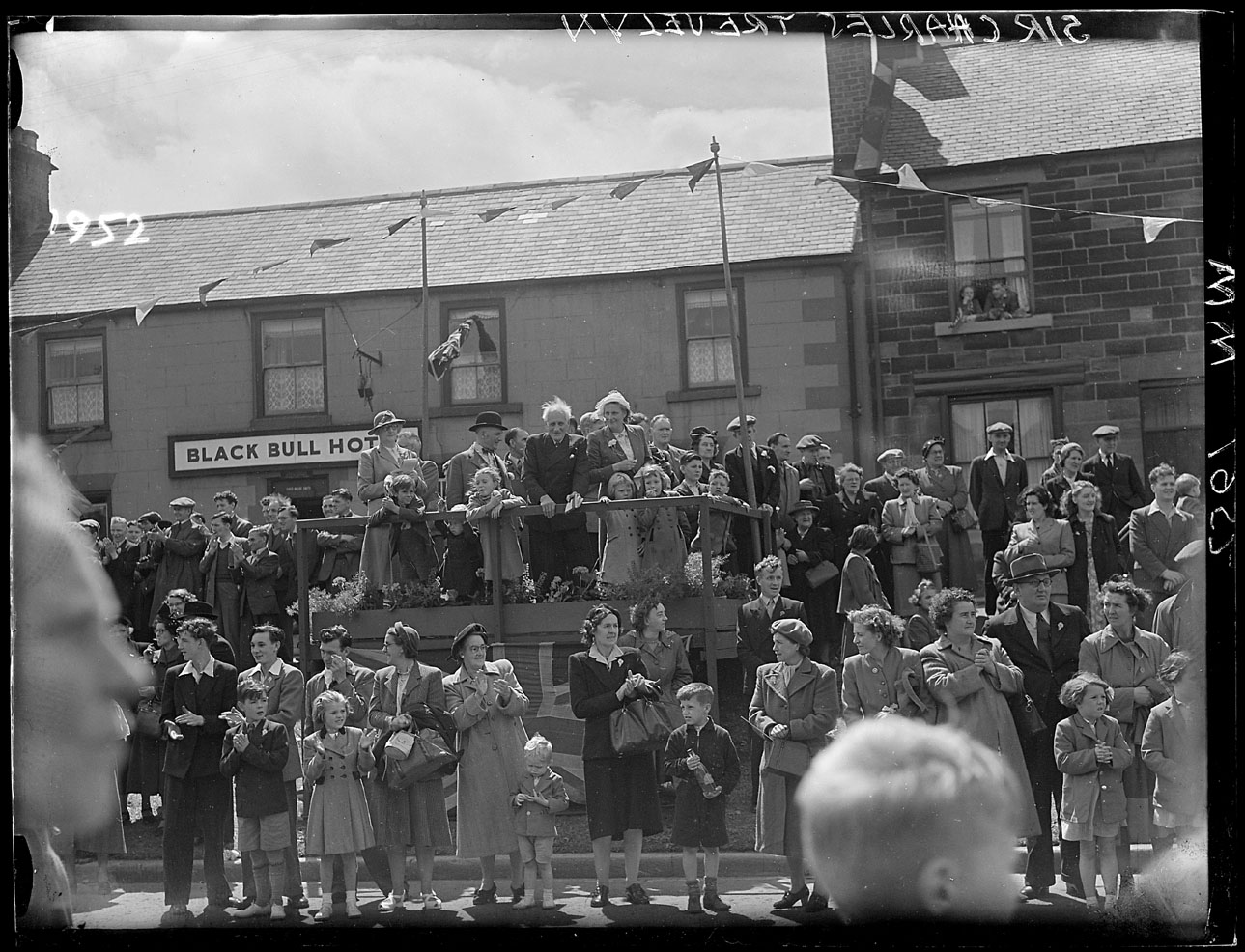 1950 Crowd Outside The Black Bull