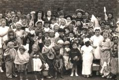 Barrington children Queens coronation 02-06-1953