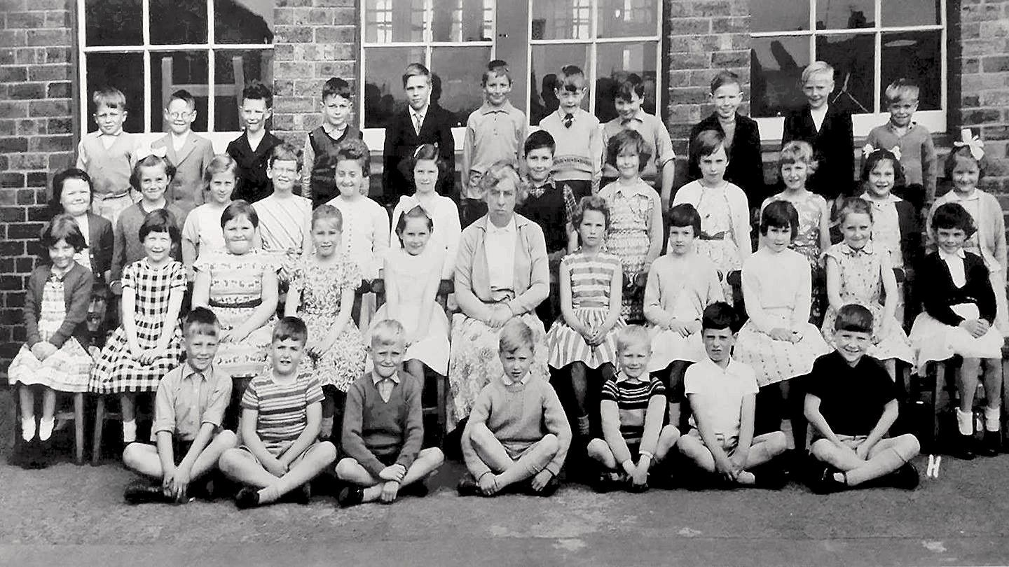 1963c Junior school.jpg