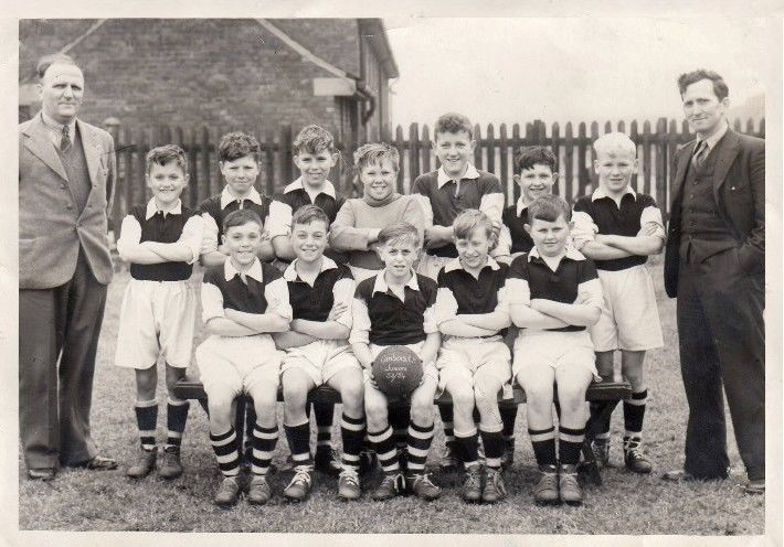 1953-54 Junior school team.jpg