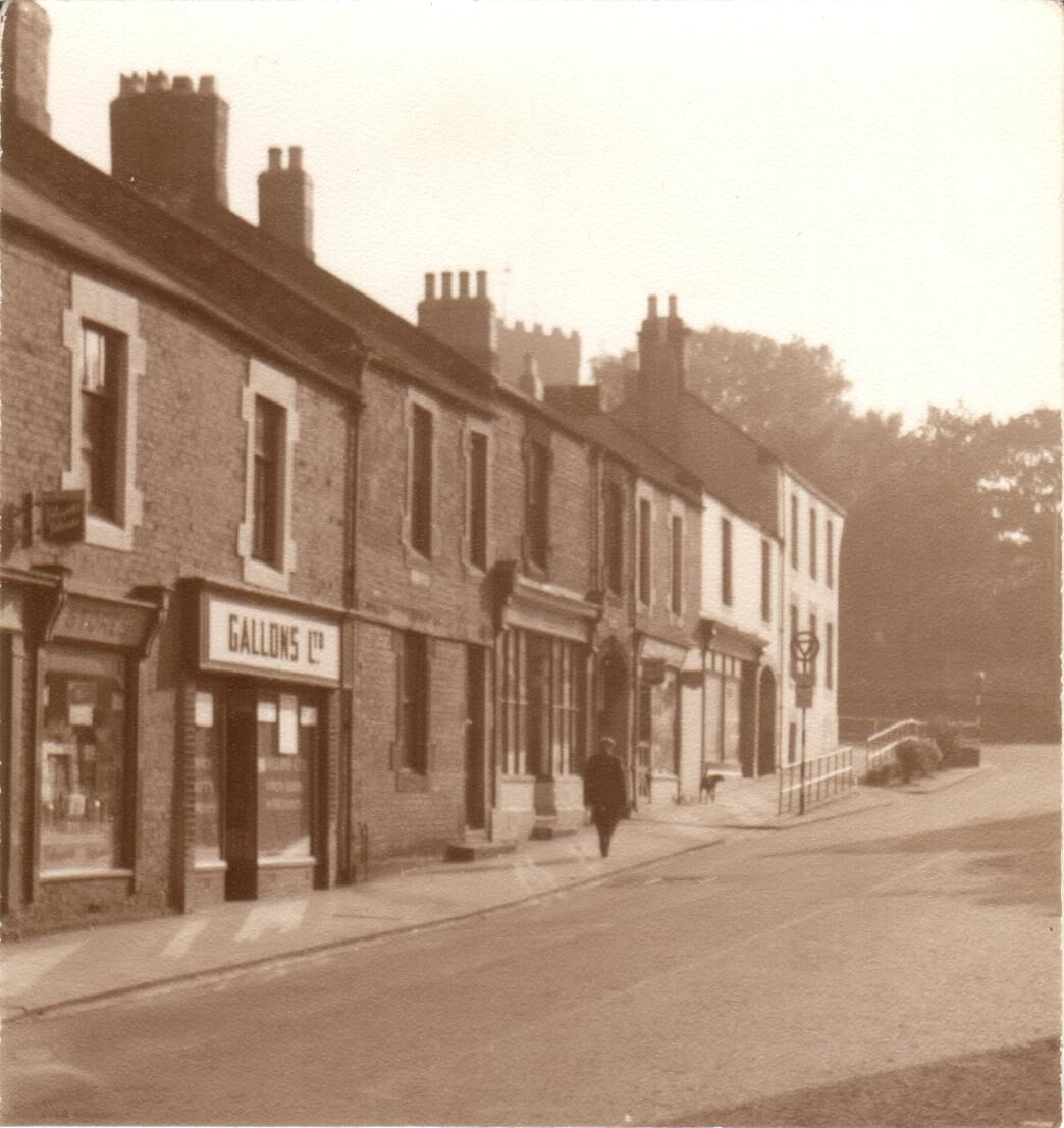 Vulcan Place - Northumberland Arms at top of the street.jpg