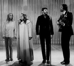 713575970_2_The_Mamas_and_the_Papas1968.JPG.8b96ea5cb94725074dd96097af20eb10.JPG