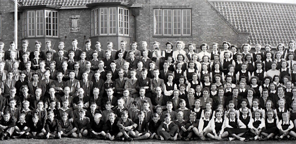 1947 Whole School Part 3.jpg