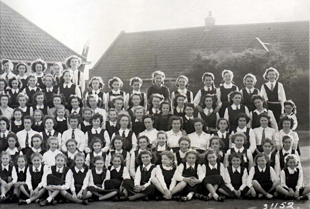1947 Whole School Part 5.jpg