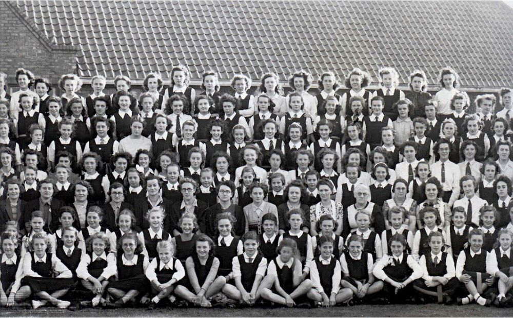 1947 Whole School Part 4.jpg